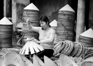 Woman-sewing-Ha-Tay-Vietnam